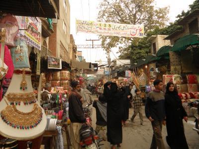 PAKISTAN 4 城壁内旧市街を寄り道しながら西へ Lahore