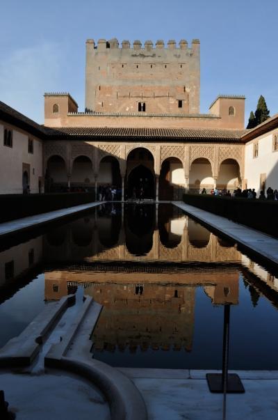 イスパニア冬紀行 ③ イスラム文化の栄華を伝えるグラナダ、アルハンブラ宮殿とフラメンコショー鑑賞