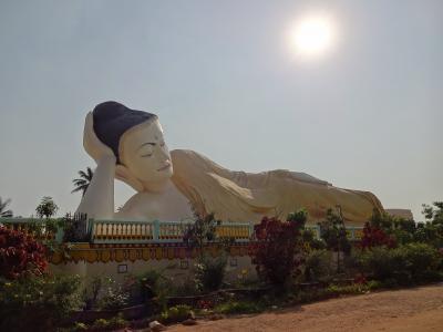 有休1日週末ミャンマーの旅(2)-2バゴー観光の続きでパヤーの上からすばらしい景色を望む