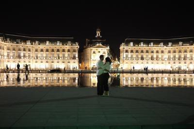 知らなかった ! フランスのボルドーはワインが美味しいだけでなく、夜景もこんなにきれいだったのだ!