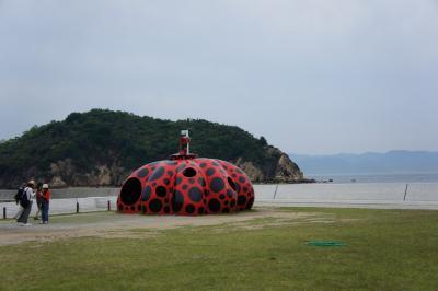アートの島に泊まる旅