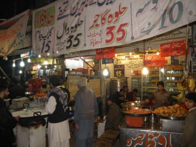 PAKISTAN 10 ラホールへ移動 パキスタン最後の夜は駅横ローカル食堂で Multan Lahore