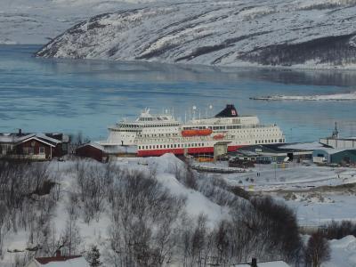ノルウェー 沿岸急行船でオーロラを見る旅☆2013.2 ⑦HURTIGRUTEN ms Finnmarken 12-Day Cruising Day7 北行きの最終地Kirkenes スノーホテル見学