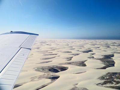 空からの大絶景へTake off!~波打つ白い砂漠と青い湖~レンソイス白砂漠 ☆ ブラジル 二大絶景への旅③