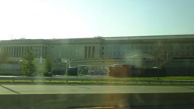 アメリカ15日間の旅(51) アーリントン国立墓地の見学へバスで移動