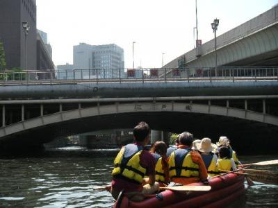 川面から何でも見てやろう!手漕ぎボートでお江戸日本橋探勝(亀島川~日本橋川)