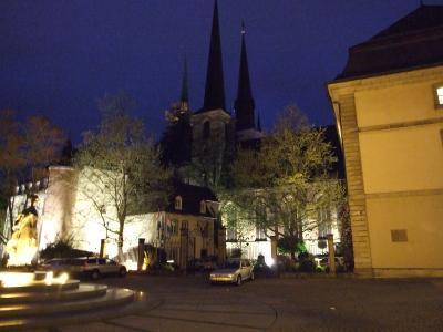 ルクセンブルクの街夕方から散策とペトリュス渓谷の早朝散歩