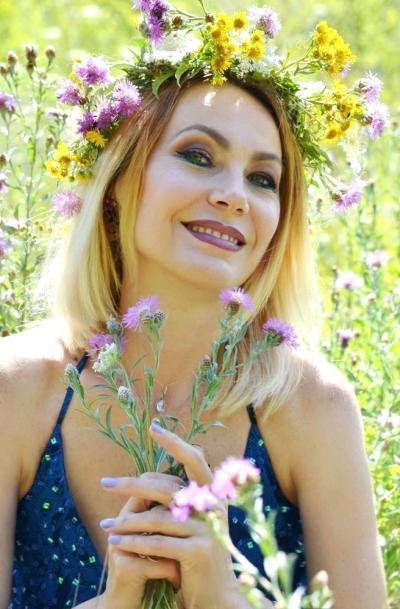 メテオラのホテルで(ギリシャ)朝食時に 愛コンタクトを交わしたのは なんと何と 世界一の美人大国と言われるウクライナの女性だった(スラブ系は古より 美人の誉れが高い評判がある)モデル女優顔負け~and continuing now~