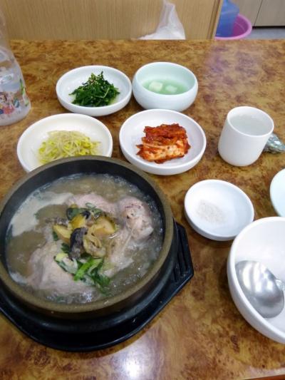 10.GW開けの釜山2泊旅行 4食目 五福参鶏湯 (オボッ サムゲタン)の昼食