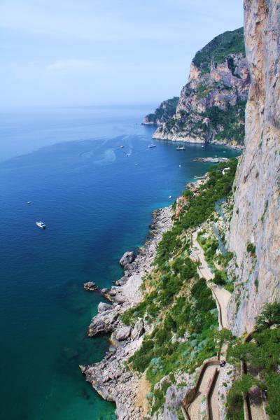ナポリの休日(4) ローマ皇帝の愛した天国の島 カプリ