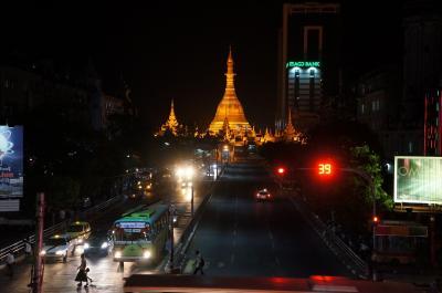 ミャンマーの首都・ヤンゴン、発展と平穏のコントラスト ~2012年冬:台北&ミャンマー旅行記2~