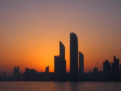 ドバイへ行ってきた。そこは砂漠と摩天楼の国