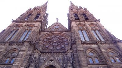 フランスの旅(05)・・・クレルモン・フェラン ノートルダム・ド・ラソンプシオン大聖堂