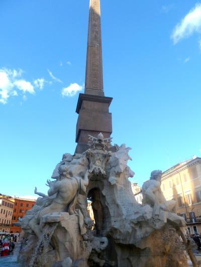 """第2部ヴァチカンを飾る、4人の天才を巡るローマ美術散歩09""""四大河の噴水""""と""""ムーア人の噴水"""" in ナヴォーナ広場"""