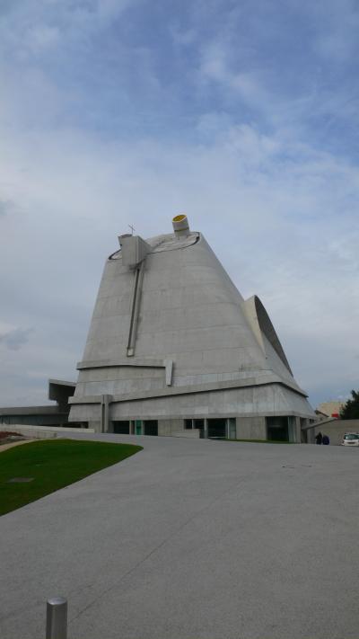 フィルミニのコルビジェ建築