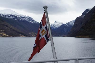 車で行くソグネフィヨルド(ノルウェー)観光