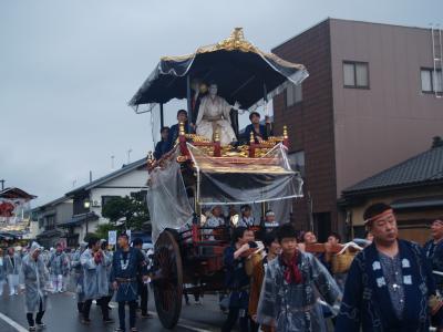 村上大祭-早朝の神社前整列(3)