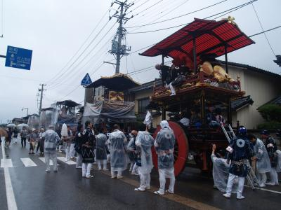 村上大祭-早朝の神社前整列(4)