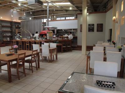 6月の箱根 その2 箱根湿生花園の散策 箱根仙石原にオープンした ピザ・カフェASSOさんでの夕食 2013年6月
