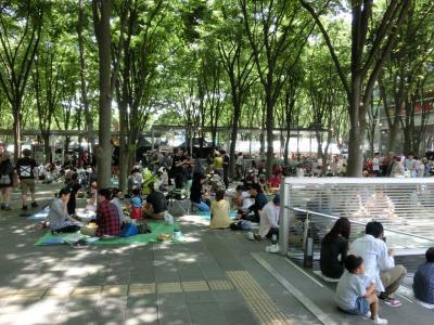 さいたま新都心のけやきひろばビール祭りへ(2013年5月)