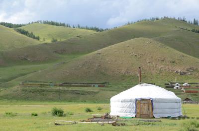 青空のもと草原のゲルにステイしてみたくてモンゴルに行ってみた
