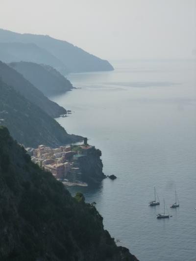優雅な夏バカンス イタリア・東リビエラの旅♪ Vol48(第5日目午前) ☆モンテロッソ・アル・マーレ~ヴェルナッツァ:モンテロッソから隣町ヴェルナッツァへハイキング♪青い地中海の絶景を眺めて♪