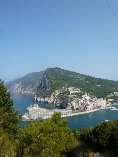 優雅な夏バカンス イタリア・東リビエラの旅♪ Vol80(第7日目午前) ☆パルマリア島:世界遺産パルマリア島をトレッキング♪対岸のポルトヴェネーレを見下ろして♪