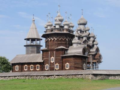 木造の玉ねぎ屋根を持つロシア集落のある、世界遺産キジ島に来ちゃいました。古きロシアの佇まいを堪能!!