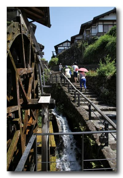 Solitary Journey [1236] 江戸時代を彷佛させる町並み。猛暑の中、石畳の坂道を歩く<中山道最南端にある馬篭宿> 岐阜県中津川市