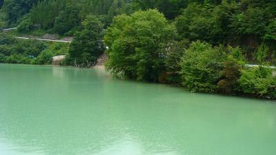 温泉の旅(12)・・・草津品木ダム湖の風景