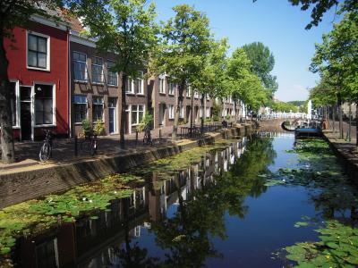 デルフト(Delft) ~フェルメールの世界、水路、新聖堂、旧聖堂、東門、陶器のお土産~