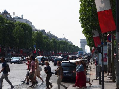 花の都と水の都と パリ・フィレンツェ・ヴェネチア(3)革命記念日前のパリの街歩きとwedding♪