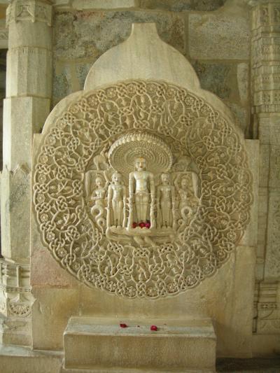 インド ラジャスタン地方旅行記 3日目 ラナクプール アーディナータ寺院観光