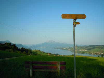 スイス:山の女王リギ山でハイキング~麓町キュスナハト・アム・リギからゼーボーデンアルプまで~【スイス情報.com】