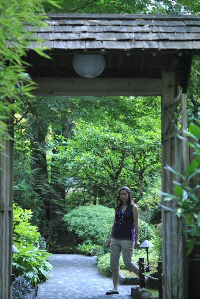 Canada バンクーバー 世界でいちばん住みたい街(21/24) ビクトリアのブッチャートガーデンへ 日本庭園(7月15日) ~ミツバチばあやの冒険~