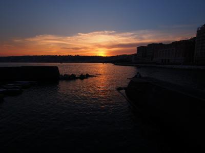 南イタリア 2013夏 イメージカラーはオレンジ ~サンタ・ルチア港の夕暮れから夜~