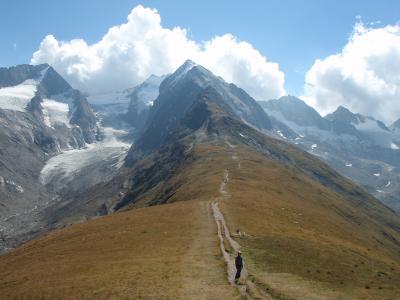 チロルの山歩き・家族旅行 (その5. ホーエ・ムートからガイスベルク氷河に向かうも断念編)