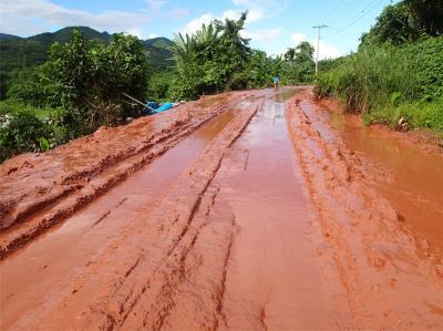 東南アジア・オフロード7 ラオス 赤い泥の国道