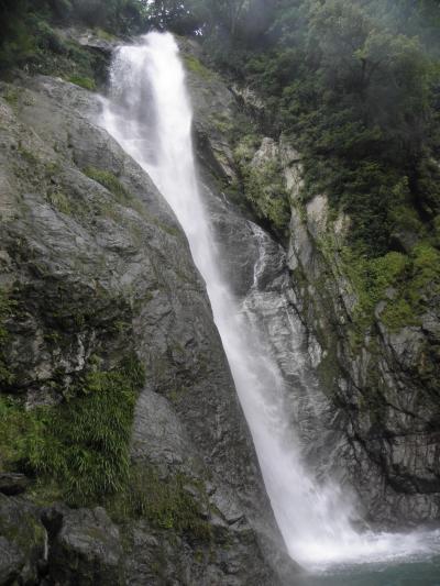 2013年9月 九州の旅 第2日 菊池渓谷(四十三万の滝(84))、栴檀轟の滝(85)、熊本
