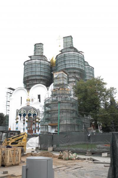 衝撃的な光景。工事現場と化していた世界遺産・トロイツェ・セルギエフ大修道院。