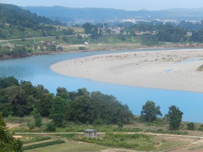 越後川口SAから見られる雄大な信濃川の風景