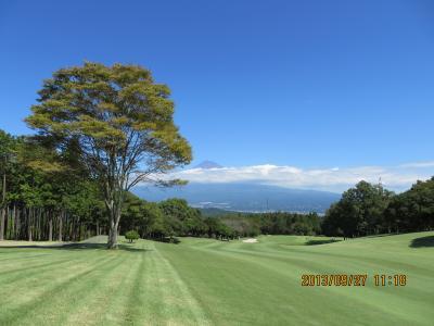 秋晴れの富士山を望むゴルフ・コンペ !