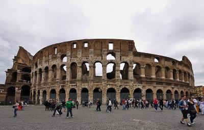 ボンジョルノ!イタリア12日間ツアー 7 ローマ、 コロッセオ