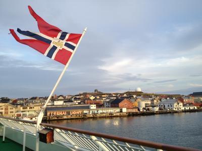 沿岸急行船(フッティルーテン)で秋のオーロラ旅3日目~ノルウェー、デンマーク
