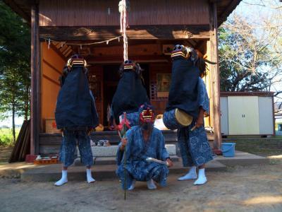 加須市の集落 今鉾に伝わる 加須市無形民俗文化財 「今鉾の獅子舞」 神社で舞うー1
