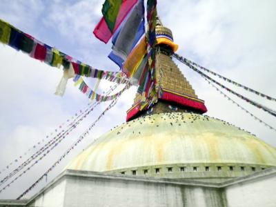 ネパール13: カトマンズ 雨天決行、 「ボダナート大仏舎利塔」巡礼