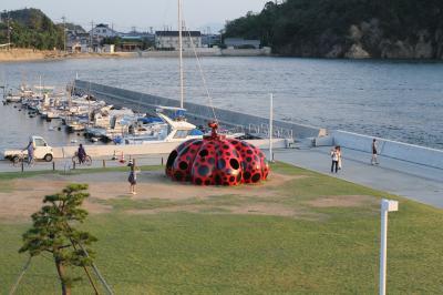 秋の瀬戸内、芸術祭をめぐる島旅(第2日目 女木島、男木島、直島)