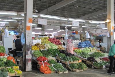 2011冬、シリア等・中東旅行記(4)ドーハ、中央野菜市場、葡萄、リンゴ、栗、枇杷、ザクロ