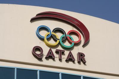 2011冬、シリア等・中東旅行記(5)ドーハ、ハリーファ国際スタジアム、アスパイアドーム、室内競馬練習場