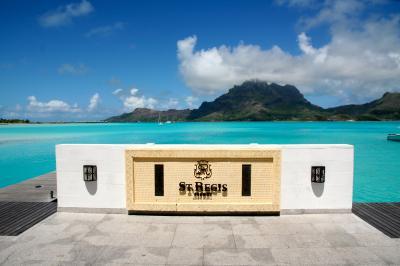 タヒチ ボラボラ島 ST.REGIS
